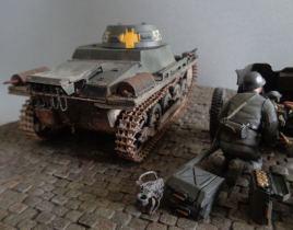 Panzer auf Sockel 07